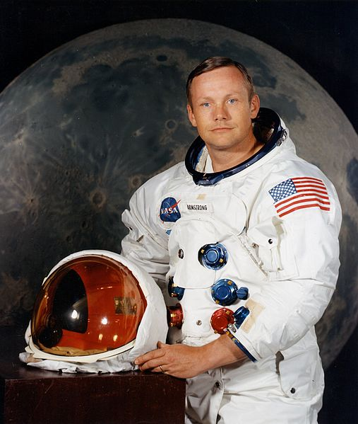 507px Neil Armstrong Pose